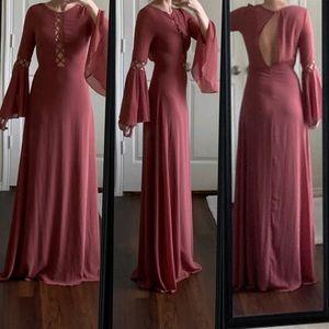 NWOT Lulu's pink cage open back bell sleeve dress
